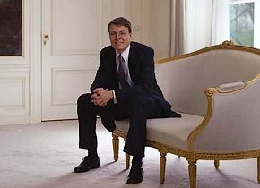 The State Press Service (RVD) choose this photograph of Prince Constantijn to go with the news item on the Stedelijk Museum Supervising Board memeberschip