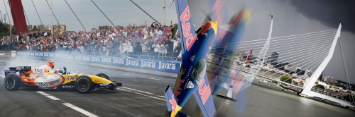 Bavaria beer sponsored City Race with Formule I cars and Red Bull Air Race in Loud & proud Rotterdam. Click picture for full size view.